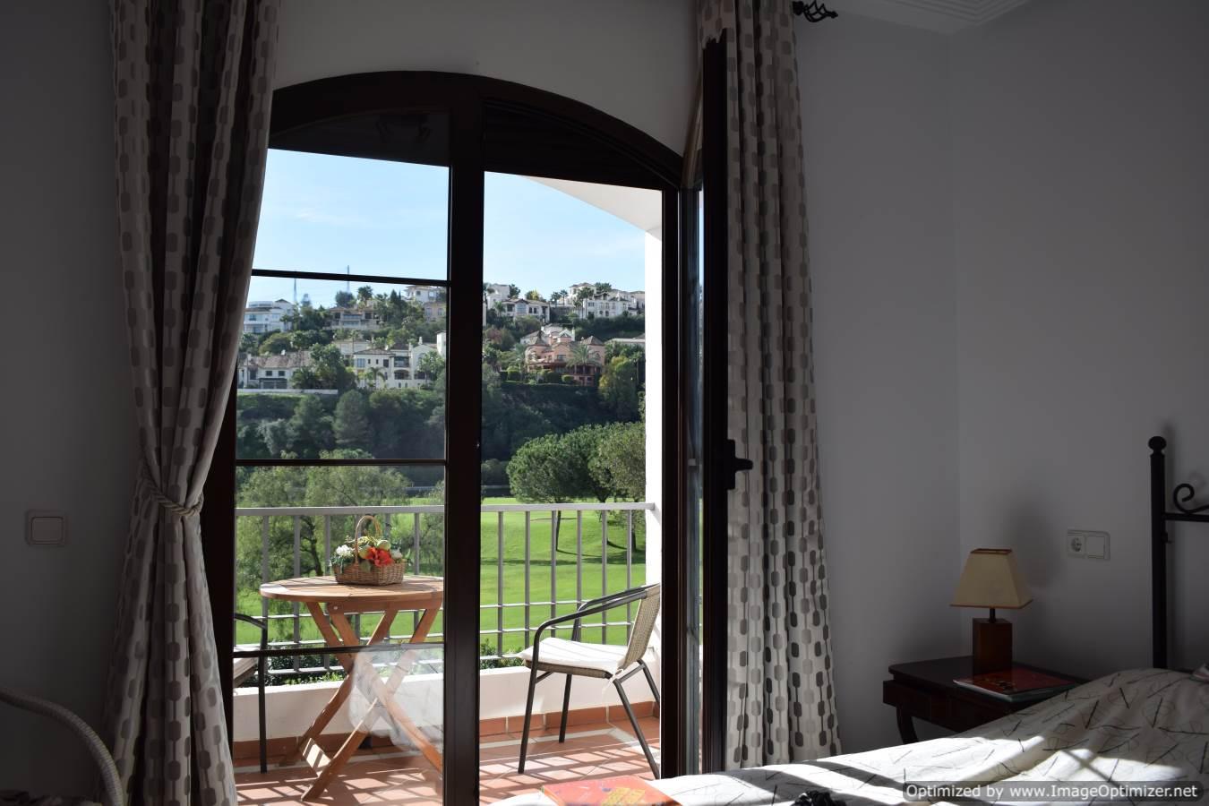 Holiday Rentals Benahavis Spain
